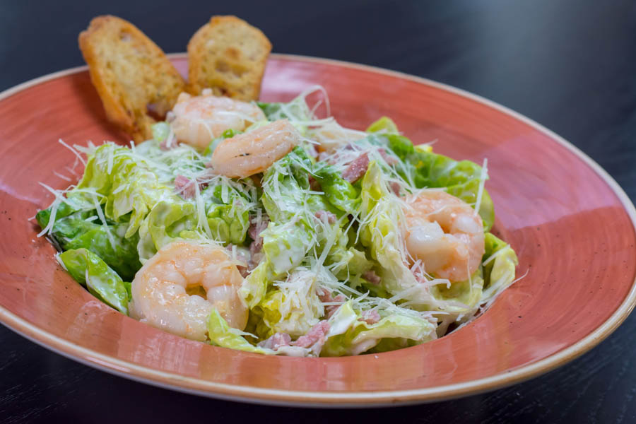 Caesar Salad with Prawns 236